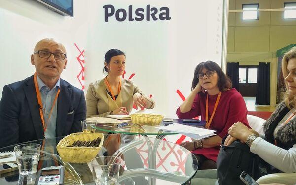 Konferencja prasowa na stoisku POT`u - Sputnik Polska