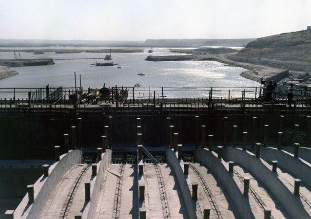 Zapora na rzece Eufrat w Syrii