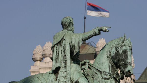 Pomnik księcia Michała Obrenowića na Placu Republiki w Belgradzie - Sputnik Polska
