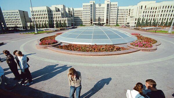 Siedziba rządu Republiki Białorusi od strony Placu Niepodległości w Mińsku - Sputnik Polska