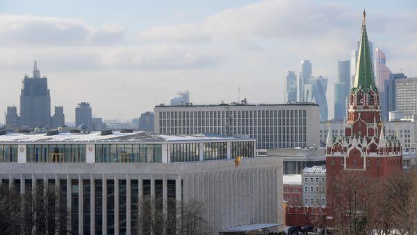 Budynek Ministerstwa Spraw Zagranicznych i Kreml - Sputnik Polska