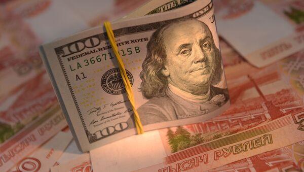 Banknoty Rosji i USA - Sputnik Polska