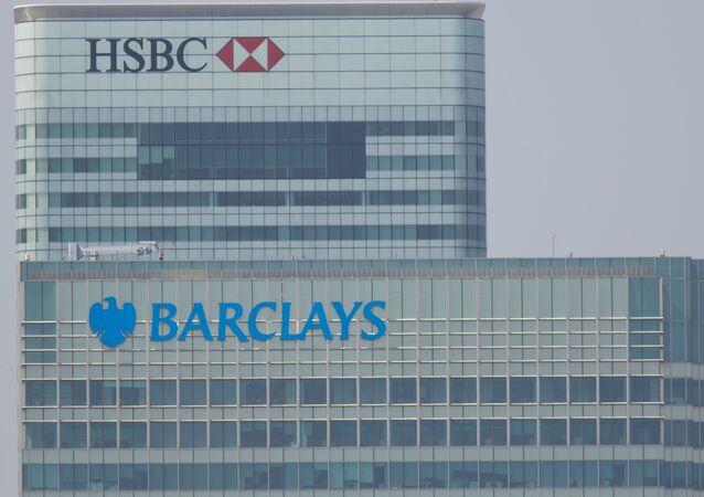 Budynki banków HSBC i Barclays w Londynie