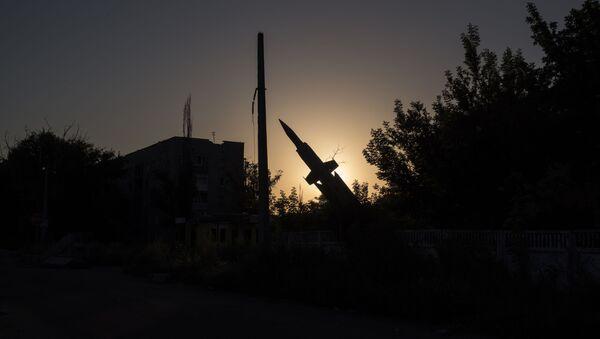 Monument na jednej z ulic osiedla Wiesołoje w obwodzie donieckim - Sputnik Polska
