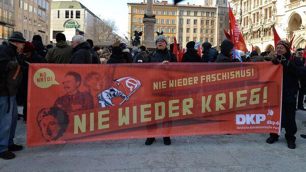 Akcja protestacyjna przeciwko NATO w Monachium - Sputnik Polska
