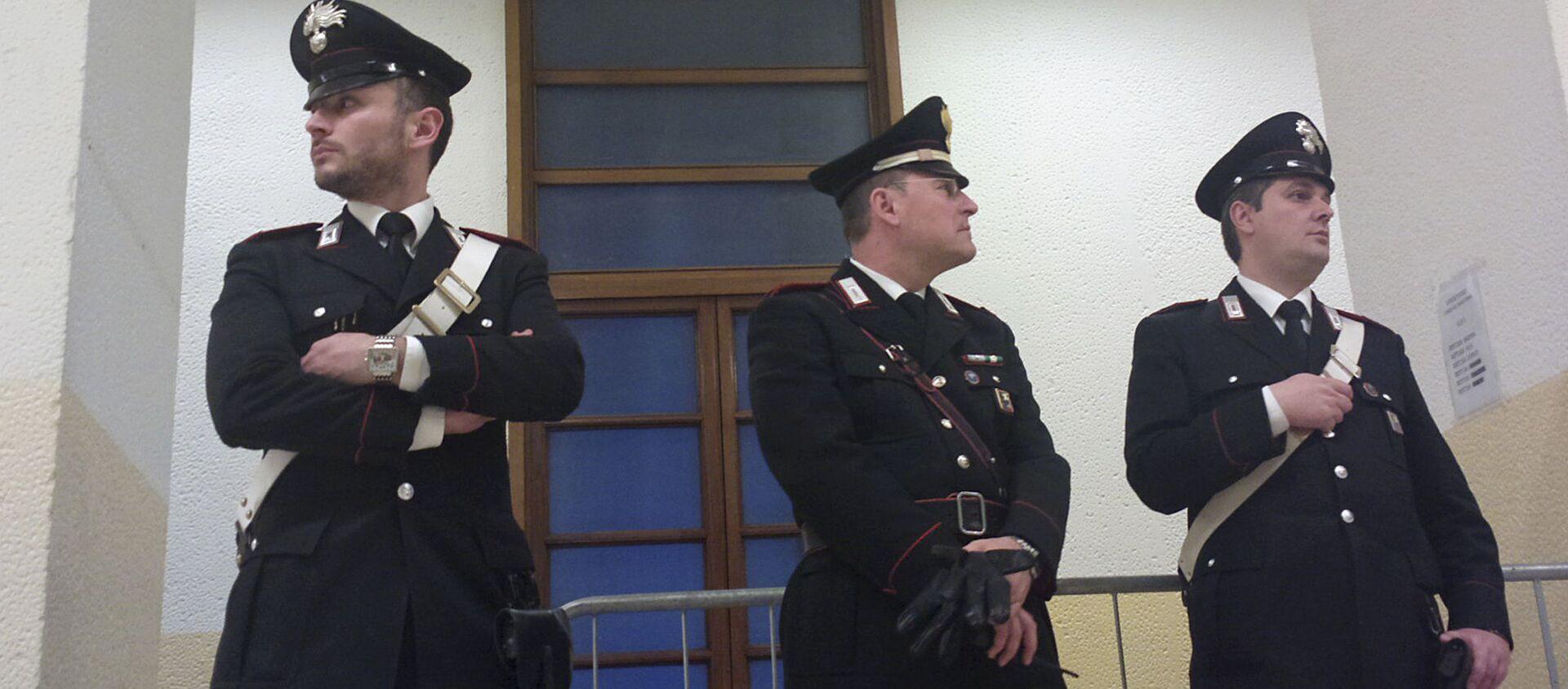 Włoscy karabinierzy w budynku sądu w Mediolanie - Sputnik Polska, 1920, 31.03.2021