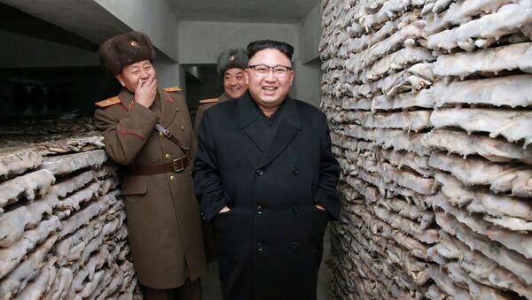 Przywódca Korei Północnej Kim Dzong Un w sztabie armii - Sputnik Polska