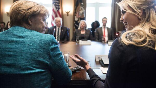Ivanka Trump na spotkaniu z Angelą Merkel, Waszyngton - Sputnik Polska