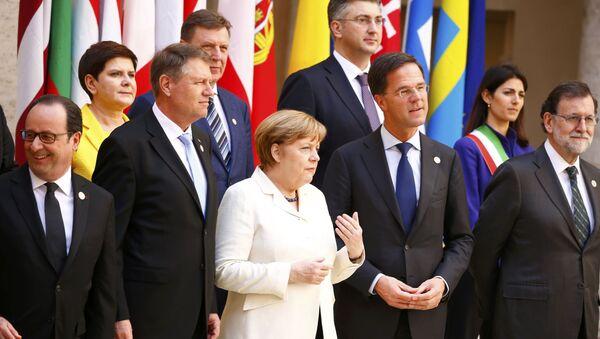 Przywódcy 27 państw unijnych złożyli podpisy pod Deklaracją Rzymską - Sputnik Polska