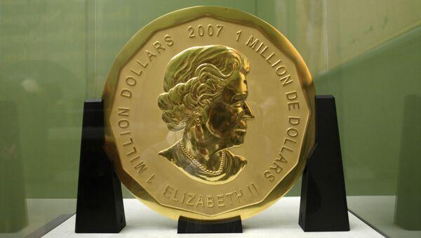 Золотая монета номинальной стоимостью в 1 миллион долларов в музее Боде, Берлин. Архивное фото - Sputnik Polska