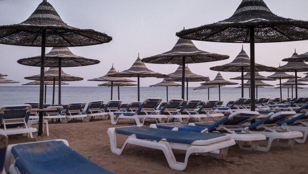 Plaża na terytorium jednego z egipskich hotelów - Sputnik Polska