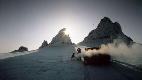 Polarnicy na wyspie Hayesa - Sputnik Polska