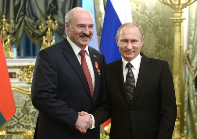 Prezydent Białorusi Aleksandr Łukaszenka z prezydentem Rosji Władimirem Putinem