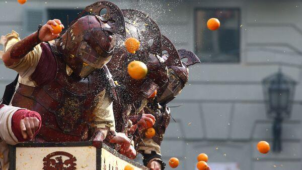 Bitwa na pomarańcze we Włoszech - Sputnik Polska
