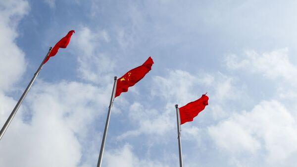 Chińska flaga i chmury - Sputnik Polska