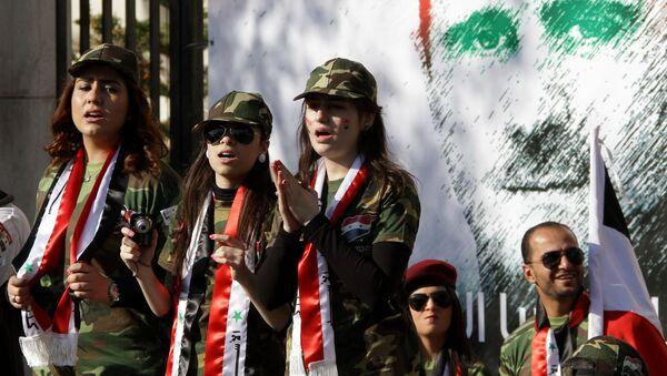 Mural z portretem syryjskiego prezydenta Baszara al-Asada w Damaszku - Sputnik Polska