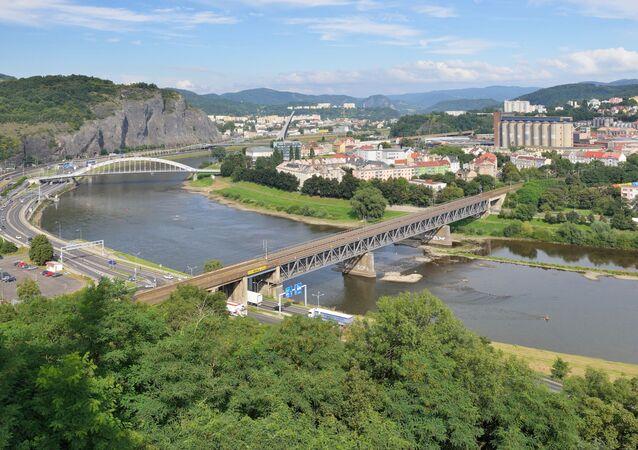 Panorama czeskiego Uścia nad Łabą