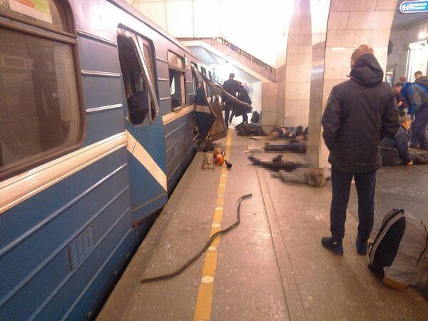 Zamach w metrze w Petersburgu - Sputnik Polska