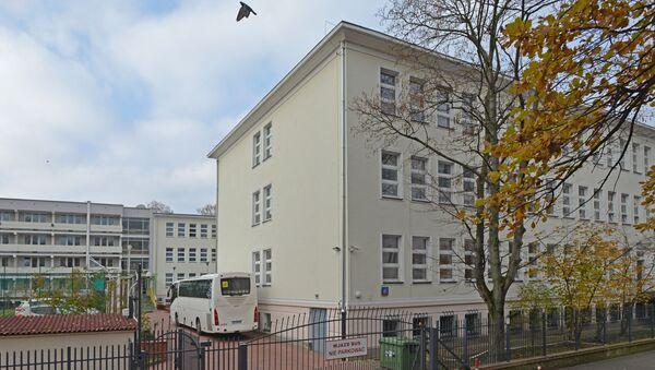 Budynek szkoły przy ul. Kieleckiej 45 w Warszawie - Sputnik Polska