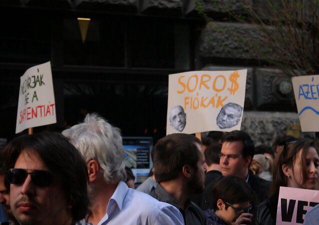 Węgrzy protestują przeciwko pracy Parlamentu