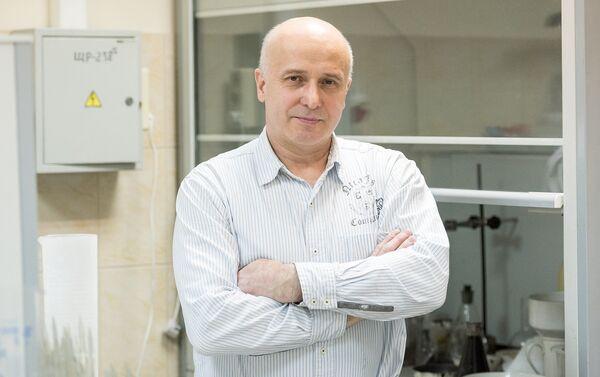 Wynalazca przeciwpróchniczych nanoplomb, Gieorgij Frołow - Sputnik Polska