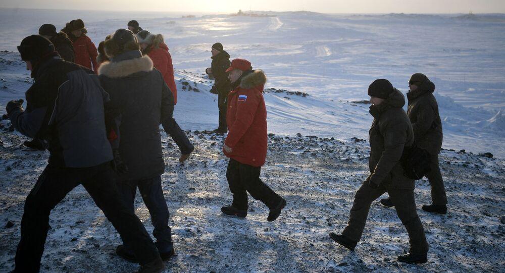 Wizyta prezydenta Rosji Władimira Putina w Arktyce, Ziemia Aleksandry