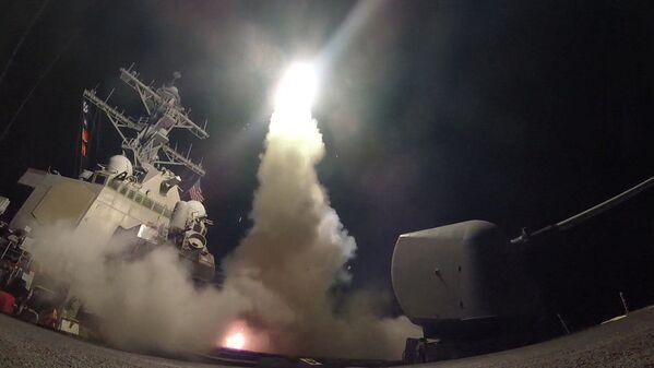 Amerykańskie ministerstwo obrony opublikowało moment wystrzelenia rakiet - Sputnik Polska