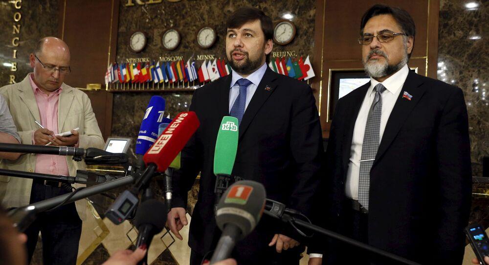 Wiceprzewodniczący Rady Ludowej DRL Denis Puszylin i wiceprzewodniczący Rady Ludowej ŁRL Władysław Dejnego po rozmowach w Mińsku