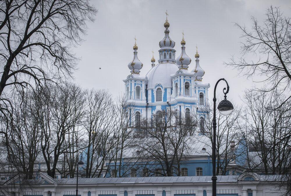 Smolny Monaster Zmartwychwstania Pańskiego w Petersburgu.