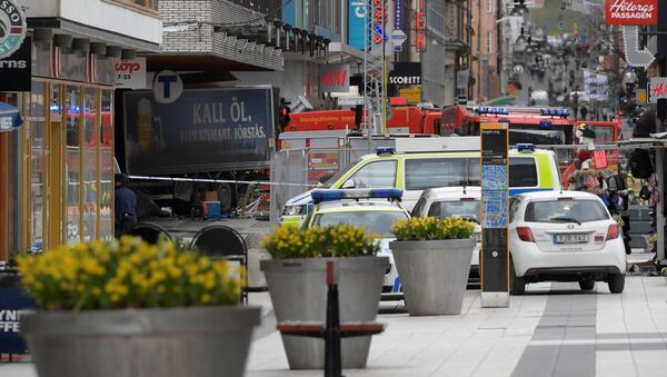 Szwecja, ciężarówka wjechała w tłum ludzi w Sztokholmie - Sputnik Polska