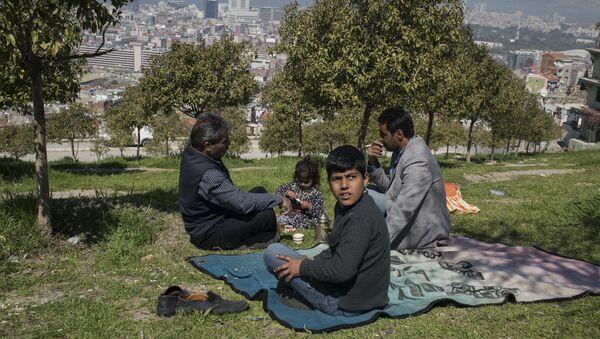 Syryjscy uchodźcy w tureckiej prowincji Izmir - Sputnik Polska