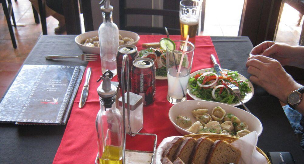Pod adresem Malecón 25 w Hawanie znajduje się radziecka restauracja Nazdarovie