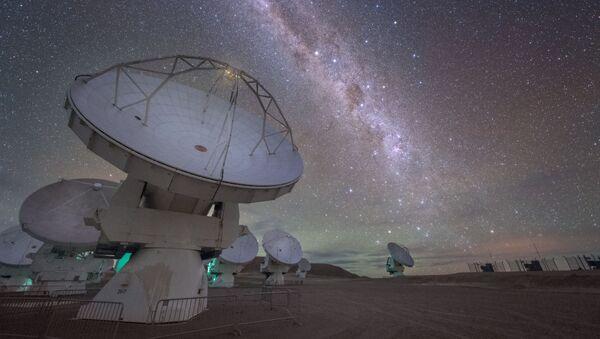Obserwatorium Atacama Large Millimeter/submillimeter Array (ALMA), znajdujące się na płaskowyżu Chajnantor w Chilijskich Andach - Sputnik Polska