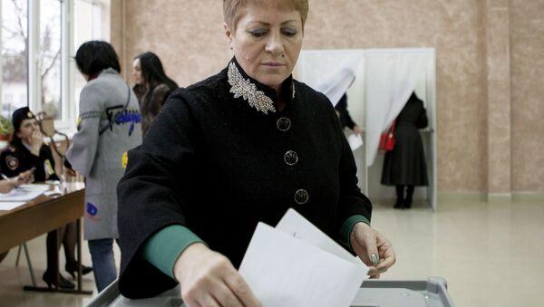 Mieszkańcy Cchinwału podczas głosowania w wyborach prezydenckich w Osetii Południowej i referendum w sprawie zmiany nazwy republiki na Państwo Alania - Sputnik Polska