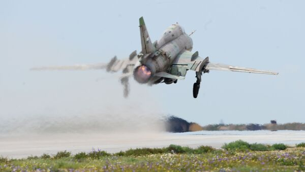 Samolot syryjskich sił powietrznych na lotnisku Shayrat - Sputnik Polska