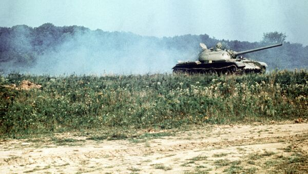 Czołg T-54 na polu - Sputnik Polska