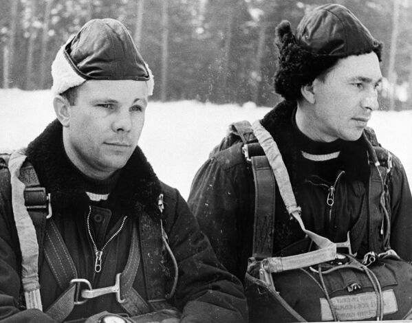 Jurij Gagarin i Paweł Bielajew, członkowie grupy kosmonautów - Sputnik Polska