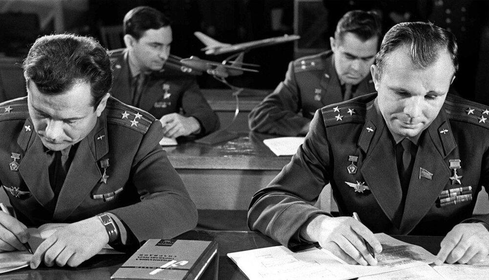 Pierwsza grupa kosmonautów