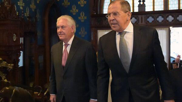 Amerykański sekretarz stanu Rex Tillerson i minister spraw zagranicznych Rosji Siergiej Ławrow na spotkaniu w Moskwie - Sputnik Polska