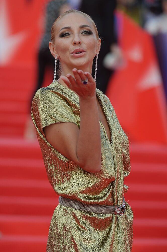 Łyżwiarka Tatjana Nawka przed ceremonią zamknięcia 38. Moskiewskiego Międzynarodowego Festiwalu Filmowego.
