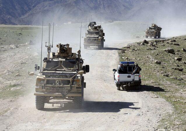 Patrol amerykańskich i afgańskich żołnierzy
