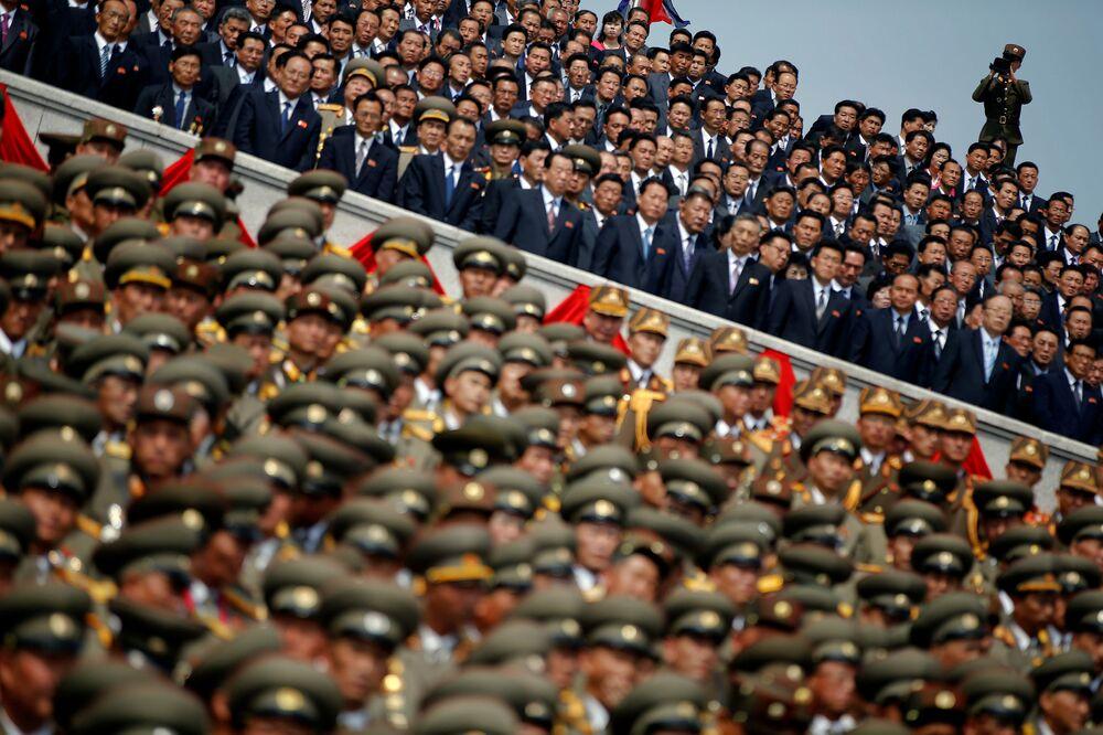 Parada wojskowa z okazji 105. rocznicy urodzin Kim Ir Sena w Pjongjangu