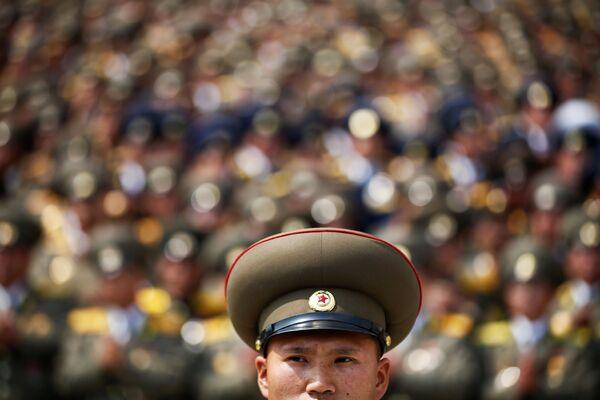 Parada wojskowa z okazji 105. rocznicy urodzin Kim Ir Sena w Pjongjangu - Sputnik Polska