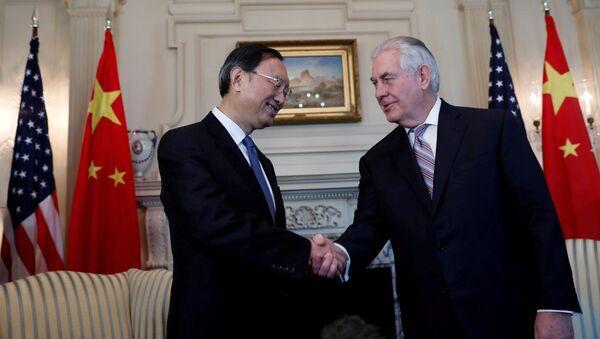 Rex Tillerson i Yang Jiechi - Sputnik Polska