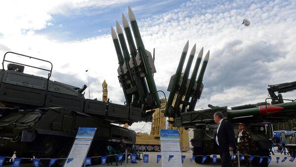 Wyrzutnia Buk-M2 na Międzynarodowym Forum Wojskowym w Kubince - Sputnik Polska