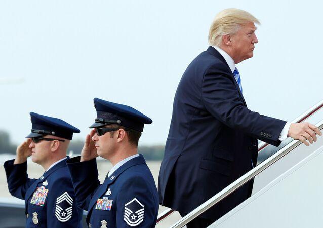 Prezydent USA Donald Trump w bazie lotniczej Andrews