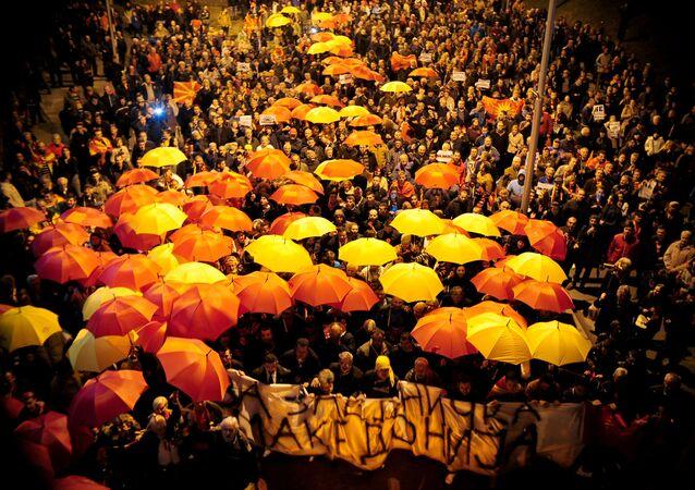 Protest w Skopje przeciwko porozumieniu, gwarantującemu szersze użycie języka albańskiego