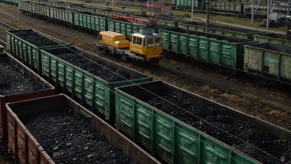 Wagony z węglem w obwodzie swierdłowskim - Sputnik Polska
