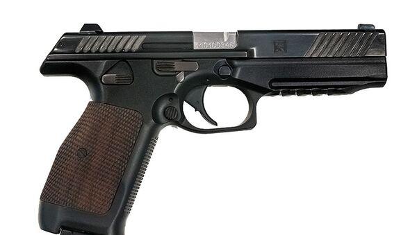 Koncern Kałasznikow po raz pierwszy zaprezentował prototyp nowego pistoleta kalibru 9x19mm PL-14 (Pistolet Lebiediewa) - Sputnik Polska