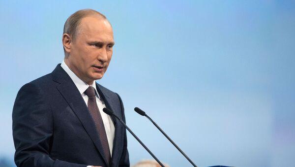 Prezydent Rosji Władimir Putin na sesji plenarnej Petersburskiego Forum Ekonomicznego - Sputnik Polska